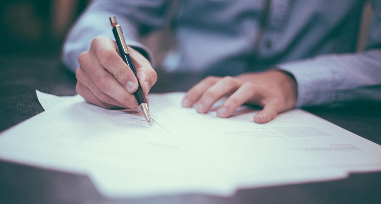 Nahaufnahme von Vertragsunterzeichnung